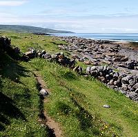Wanderpfad an der Küste